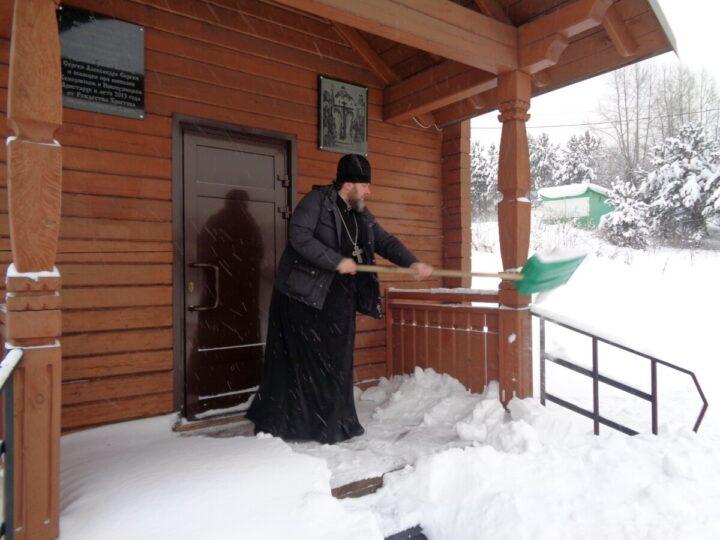 В Осинниковском округе идёт подготовка к празднику Крещения Господня