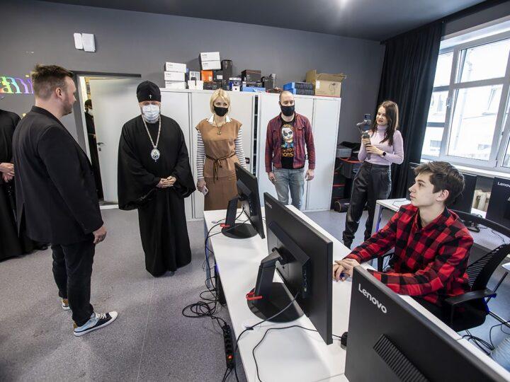 Митрополит Аристарх познакомился с работой Школы креативных индустрий