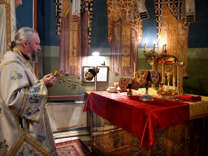 Глава митрополии совершил в Знаменском соборе богослужения недели о блудном сыне