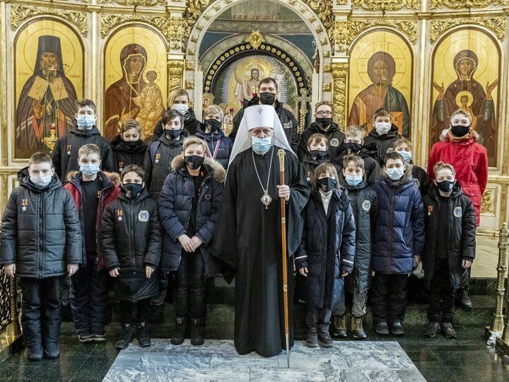 25 февраля 2021 г. Встреча митрополита Аристарха с хоккеистами из команды «Кузбасс-2009»