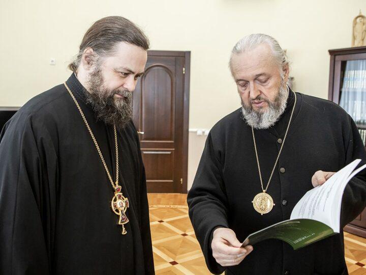 Профессор Московской духовной академии познакомился с Кемеровским епархиальным управлением