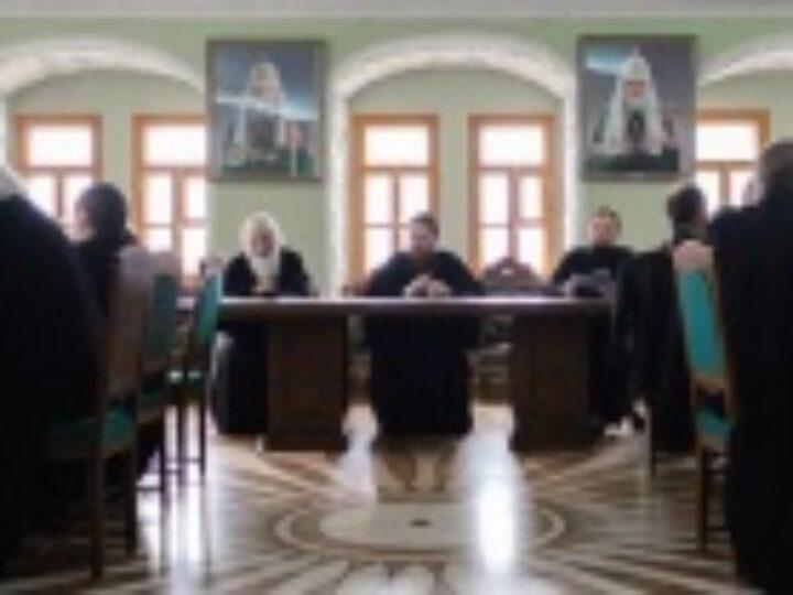 В Московской духовной академии состоялось обсуждение проекта положения о монашеских постригах, совершаемых в духовных учебных заведениях
