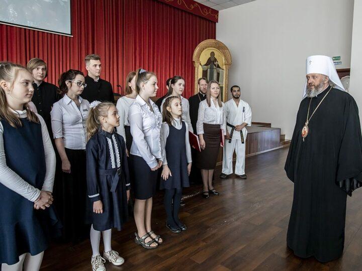 Митрополит Аристарх возглавил пасхальные торжества в Кузбасской семинарии