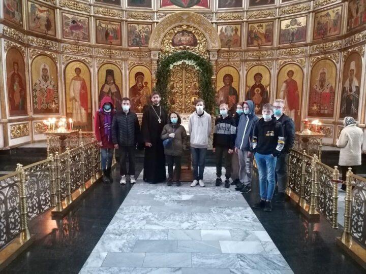Участники трудового лагеря «Надежда» посетили главный храм Кузбасса