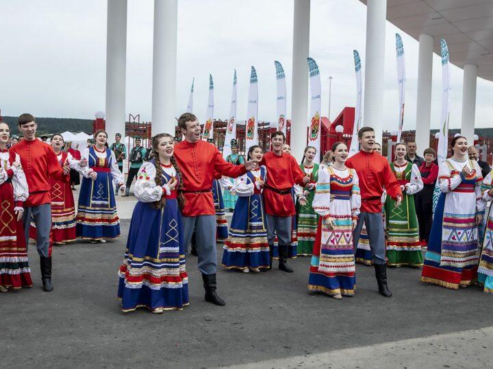 27 июня 2021 г. Участие митрополита в праздновании Сабантуя в Кемерове