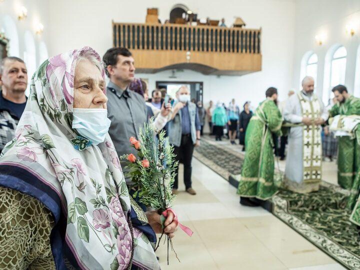 20 июня 2021 г. Престольный праздник Троицкого храма в Кемерове