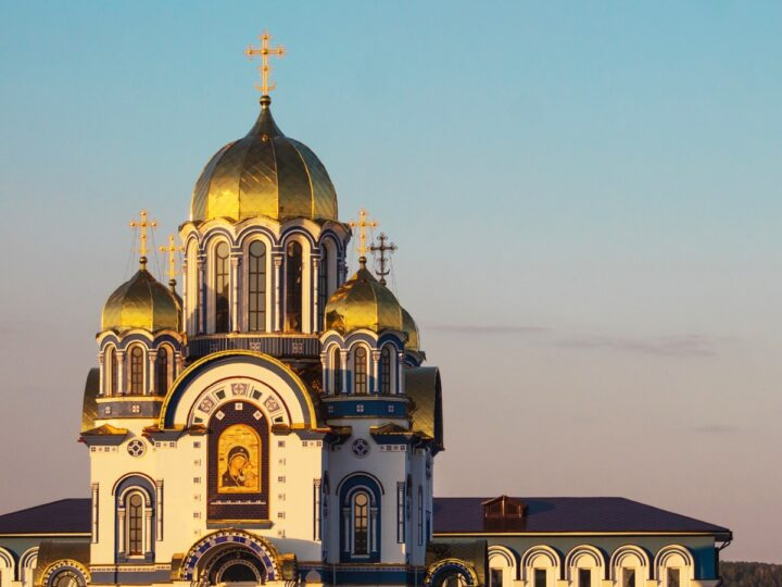 Библиотека кемеровского храма приглашает читателей