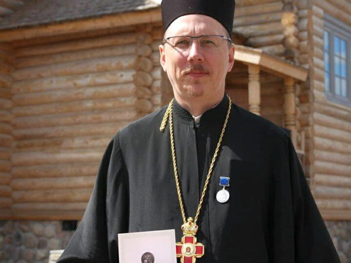 Кузбасский священник принял участие в празднике, посвящённом 25-летию сети центров помощи наркозависимым «Обитель исцеления»