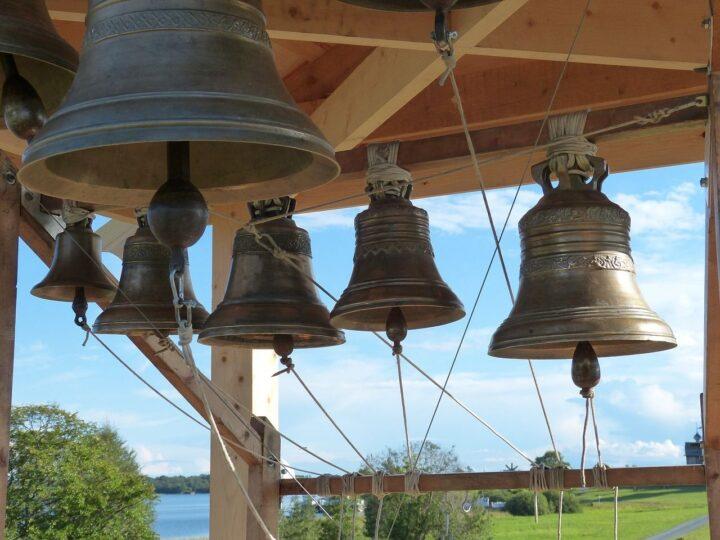 В День Крещения Руси во всех храмах Кузбасской митрополии прозвучит колокольный звон