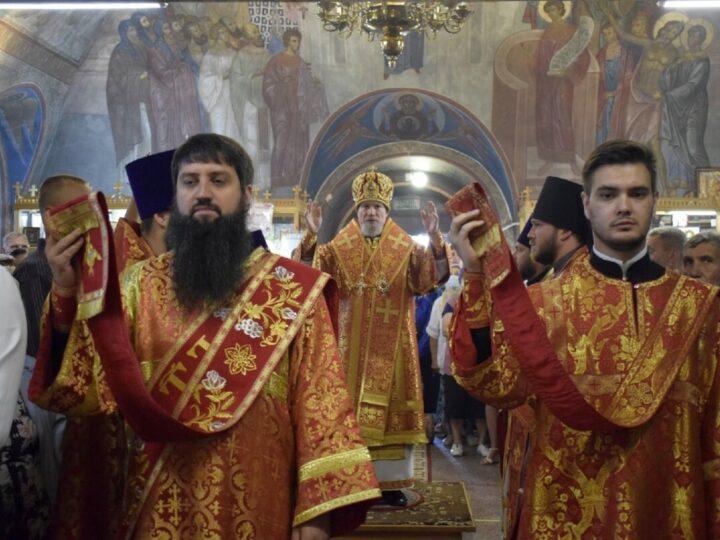 Епископ Владимир возглавил Божественную литургию в день престольного праздника храма святого пророка Илии