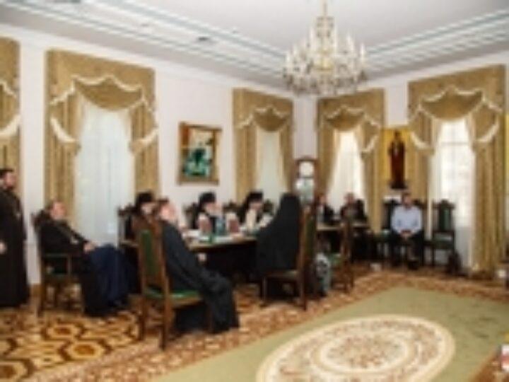 В Кишиневе состоялась презентация путеводителя по монастырям и скитам Православной Церкви Молдовы