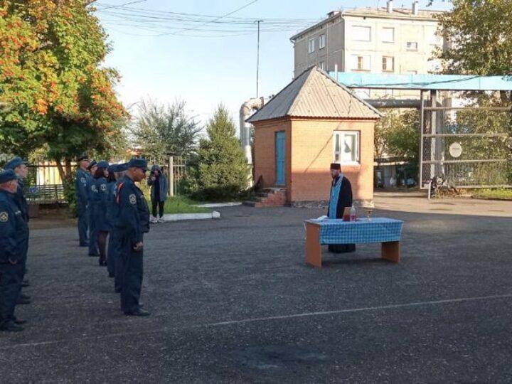 В Ленинске-Кузнецком сотрудники МЧС почтили память иконы Божией Матери «Неопалимая Купина»