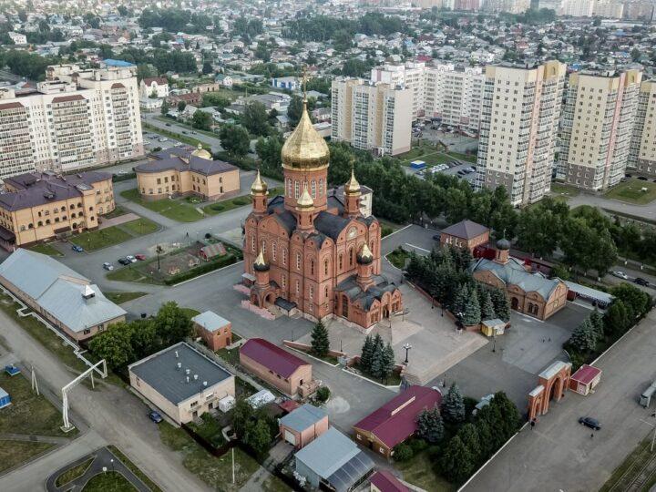 В храмах Кузбасса помолились об укреплении семей