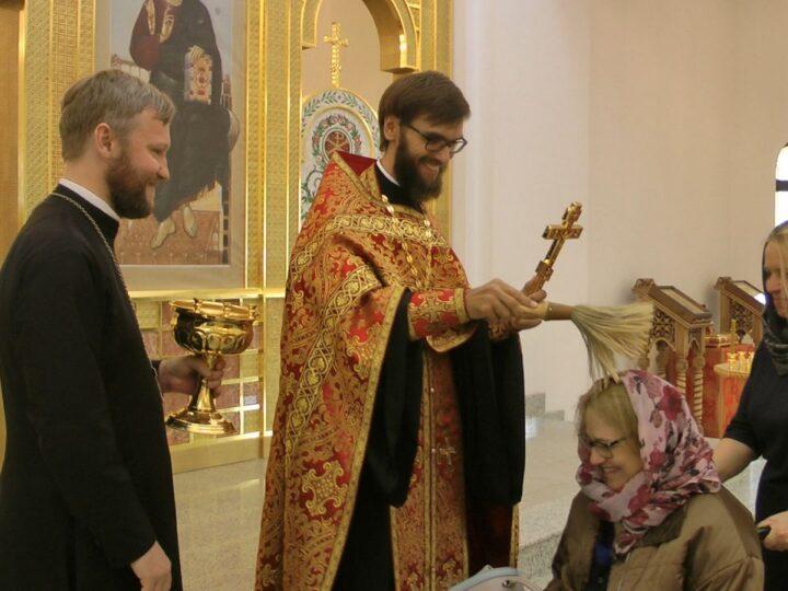 На приходе кемеровского храма Воскресения Христова начал работу семейный клуб «Образ»